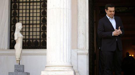 El Eurogrupo se zafa de Grecia para no desatar otra crisis antes del verano