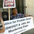 Retiran los cargos contra tres policías acusados de la muerte de Freddie Gray