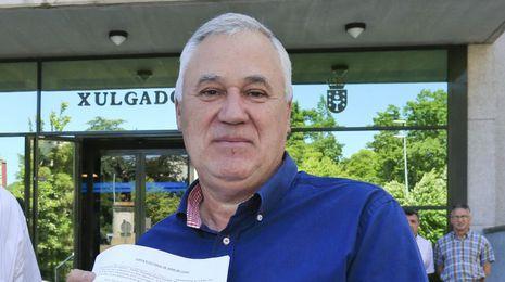 El PSOE de Lugo ofrece volver a su grupo provincial al alcalde que expulsó