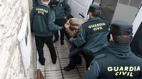 Llegada de Jose Manuel Carballo Neira a los juzgados de Becerreá