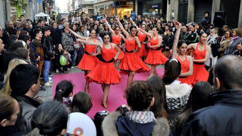 LaFashion Night de Ferrol llena las calles del centro de luz, música y moda