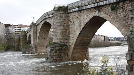 En Ourense la crecida del Miño provocó varias inundaciones
