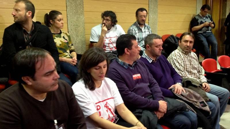 Entrada de trabajadores de Navantia al pleno del Parlamento