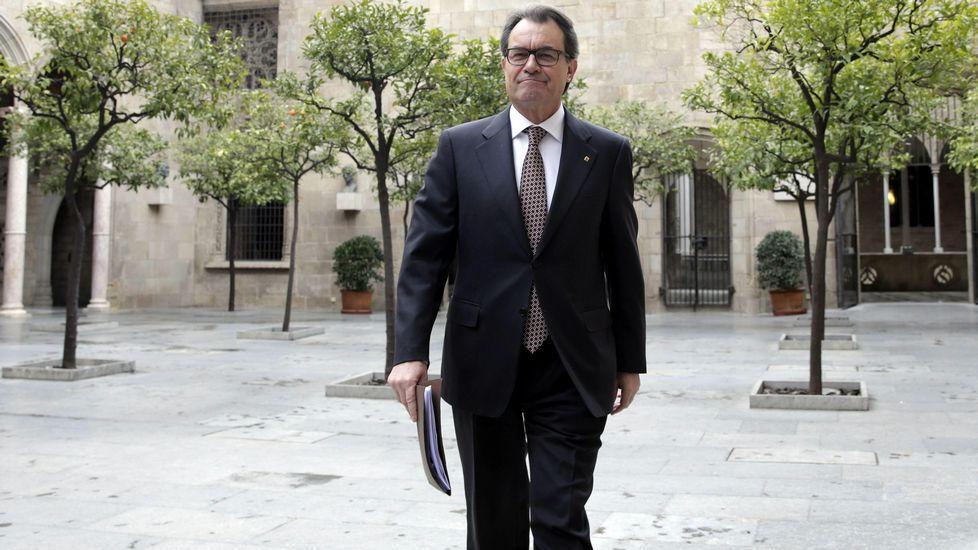 El presidente de la Generalitat, Artur Mas, a su llegada a la reunión semanal del gobierno tras conocer la decisión del PPC de impugnar los presupuestos