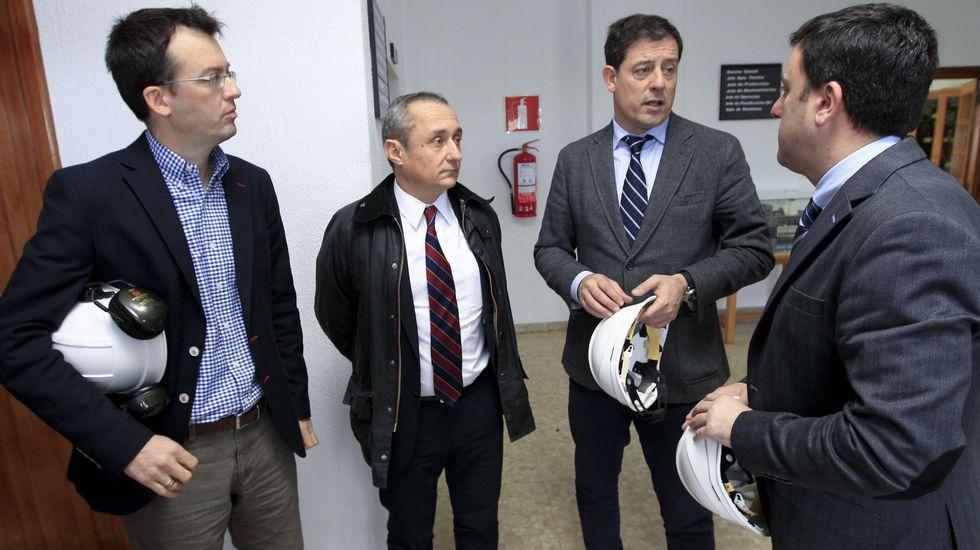 El secretario xeral del PSdG, José Ramón Gómez Besteiro, visita la central de Endesa en As Pontes