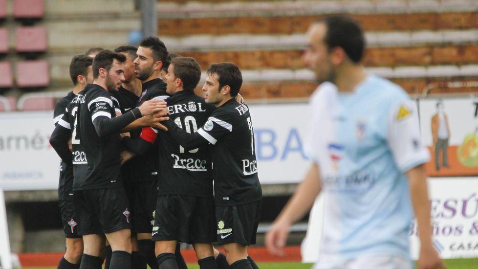 El derbi Compostela-Racing de Ferrol, en fotos