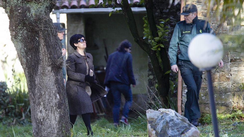 Rosario Porto regresa por unas horassu casa de Teo