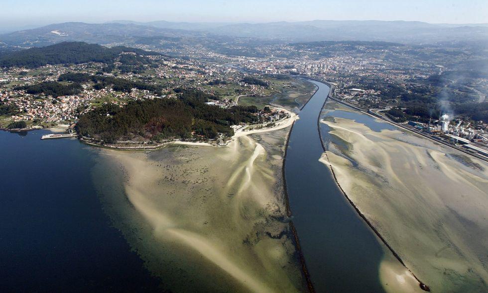 El plan de Portos prevé el dragado del canal de navegación del Lérez hasta el puente de la AP-9.