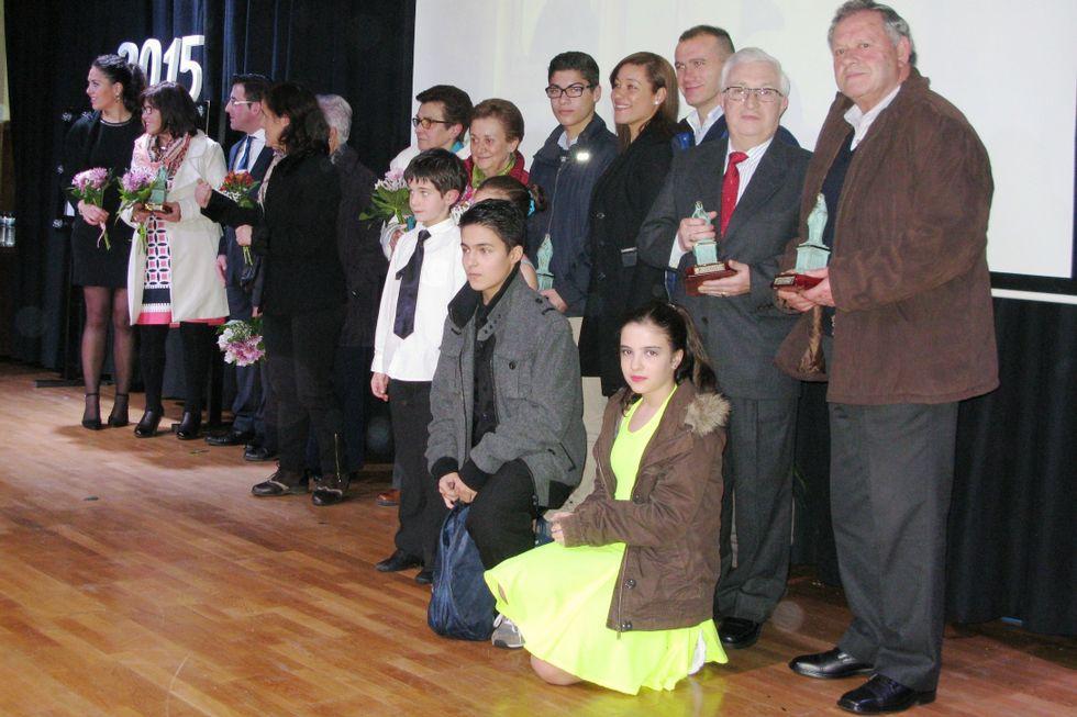 Los galardonados se hicieron una foto de familia tras el acto.