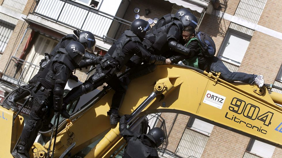 Tensión por el derribo de un edificio expropiado en Madrid