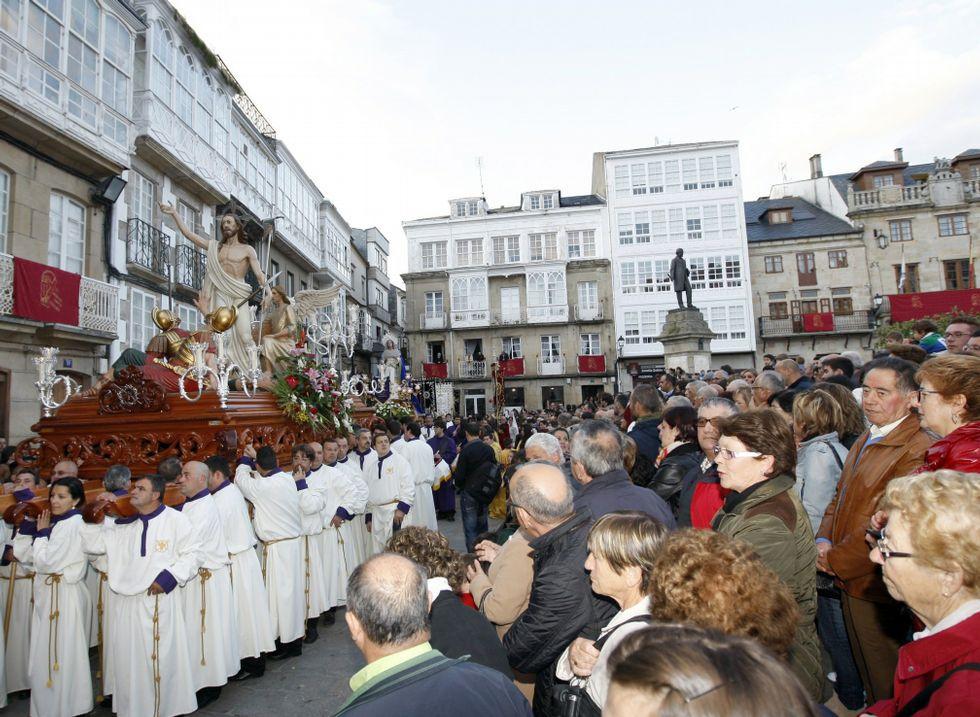 La Semana Santa de Viveiro atrae cada año a miles de visitantes.