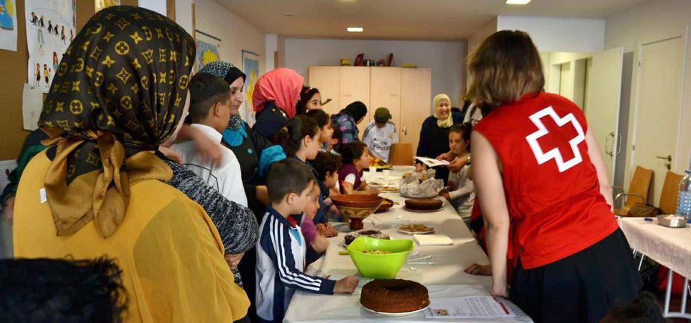 Cruz Roja elaboró un pequeño libro de recetas con los platos que propusieron y cocinaron las familias del grupo de Mediación Familiar.