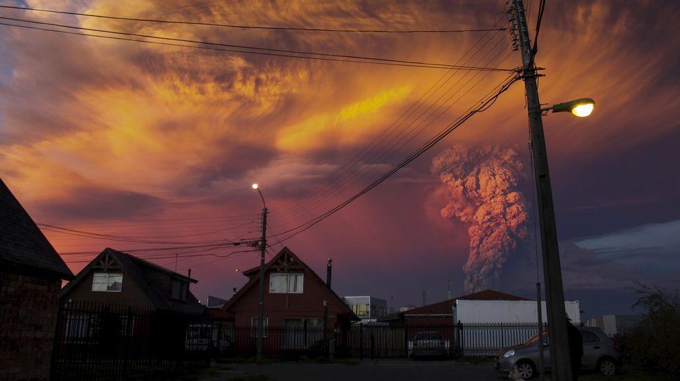 Chile mira con temor hacia el volcánCalbuco