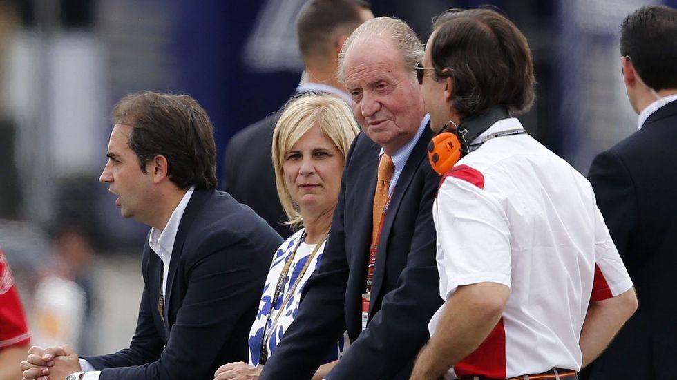 Así apartó el rey Juan Carlos el micrófono de Nico Abad