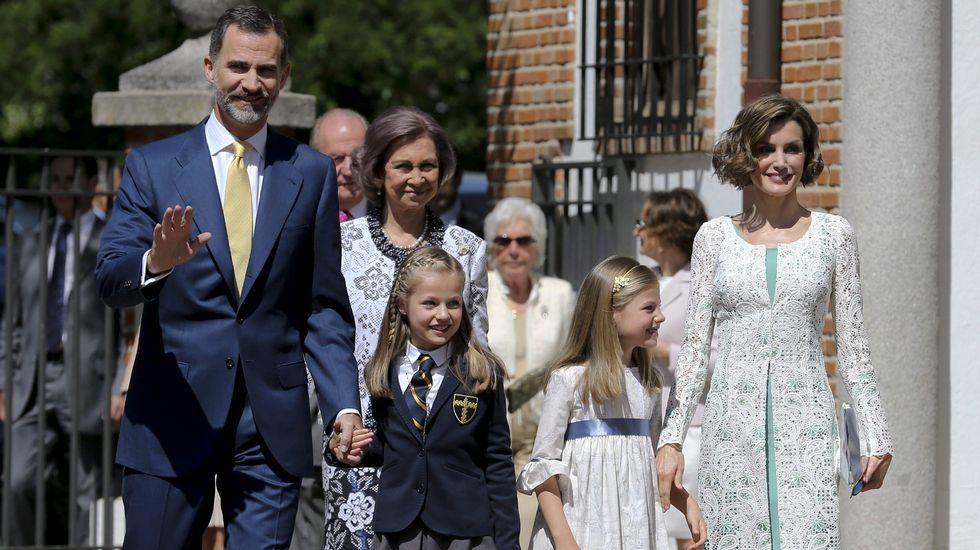 Leonor celebra con la Familia Real su primera comunión
