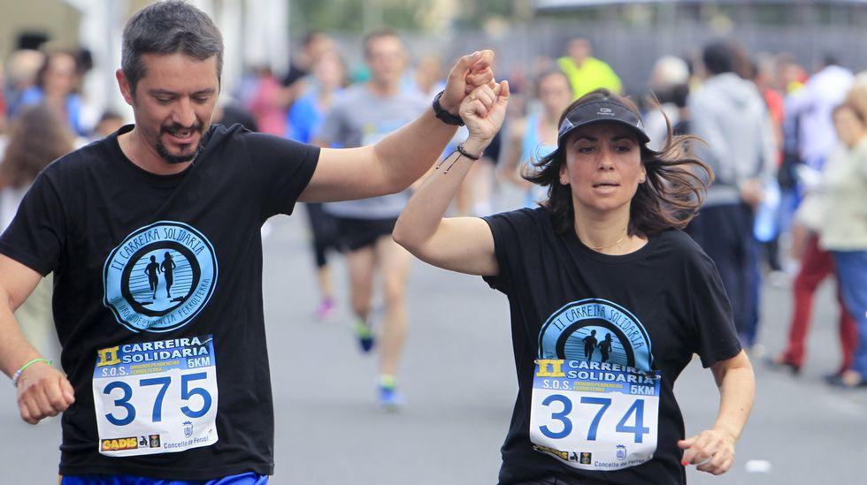 Más de 300 personas finalizaron la carrera de cinco kilómetros