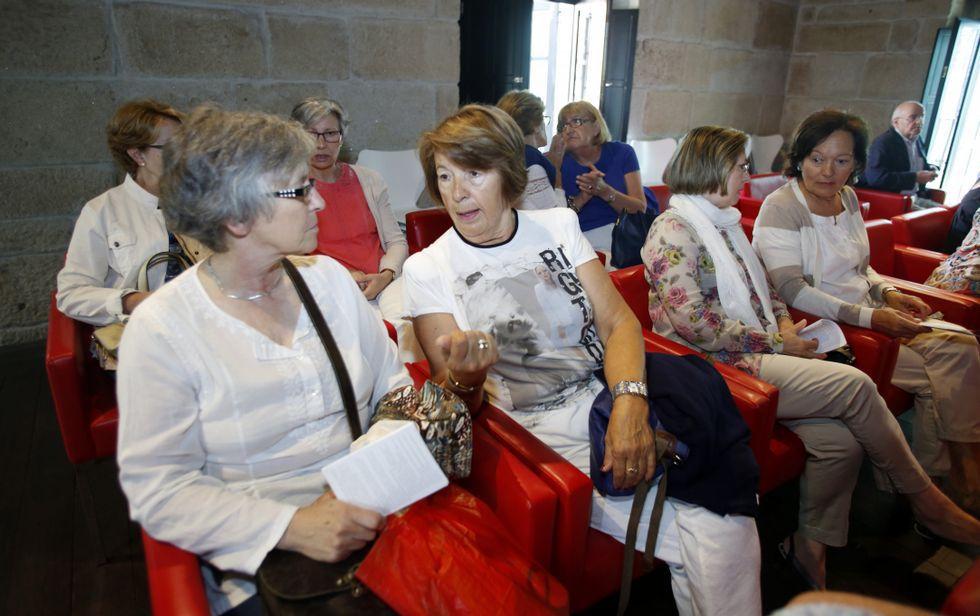 El Programa de Maiores de la UVigo se presentó ayer en la Casa das Campás.