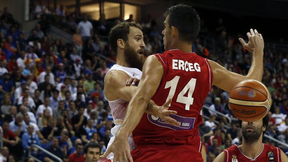 España empieza con derrota en una jornada de sustos y sorpresas.