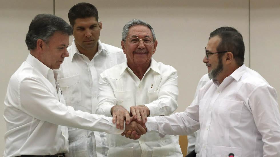 Colombia: represiones, terror, violaciones y esclavismo $. Propiedad agraria, Estado, FARC, ELN. Luchas de clases - Página 4 Santos