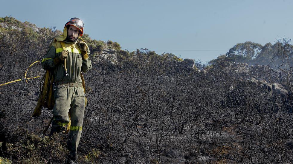 Peligroso incendio en Corme