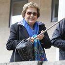 La madrina de Asunta, Mar�a Isabel V�liz, a la llegada a los juzgados de Santiago