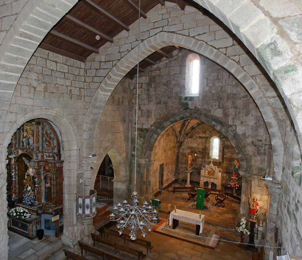 Vista de Santa María das Areas en un imagen anterior a la restauración.