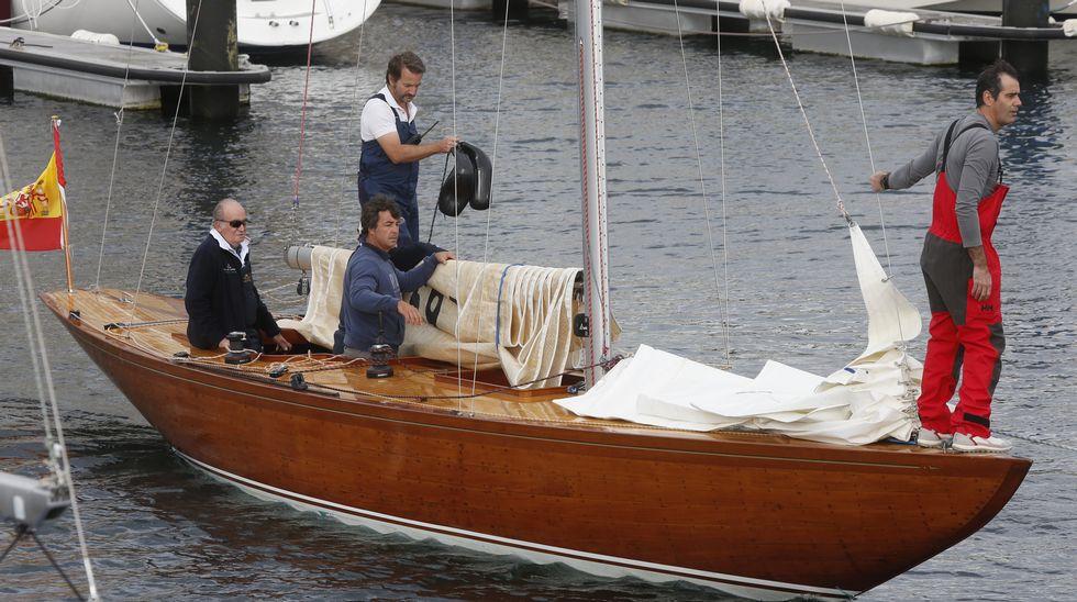 El rey emérito Juan Carlos I sale a navegar en su nuevo barco