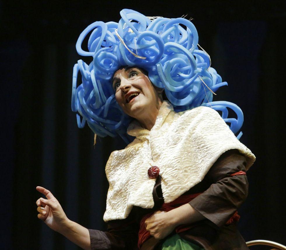 Escena de una obra de Sarabela Teatro.