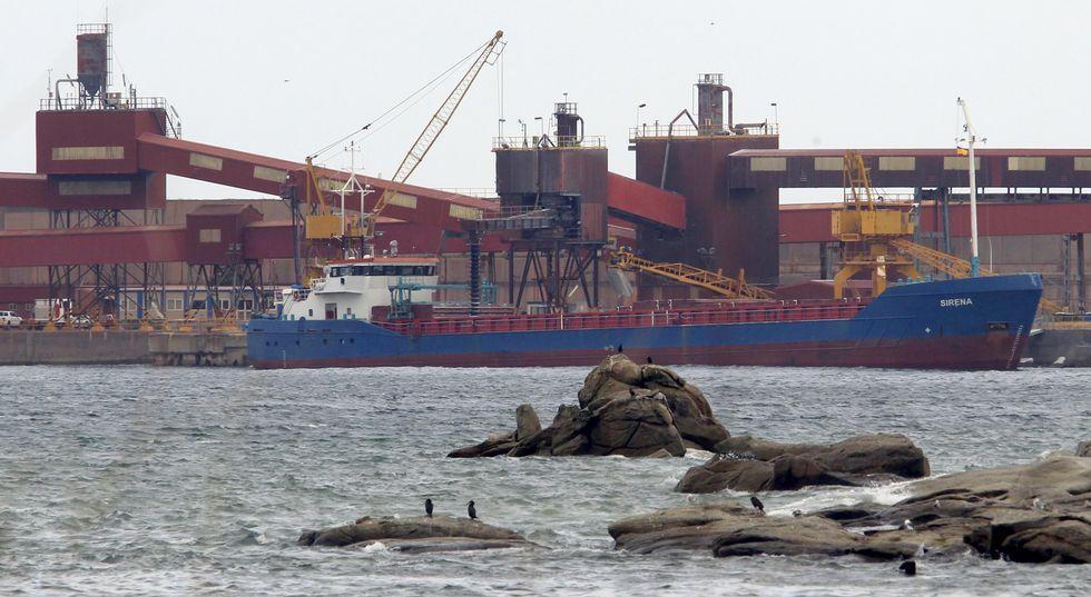 Solo entre el 2012 y el año pasado, el puerto comercial de San Cibrao generó 9,94 millones de euros.