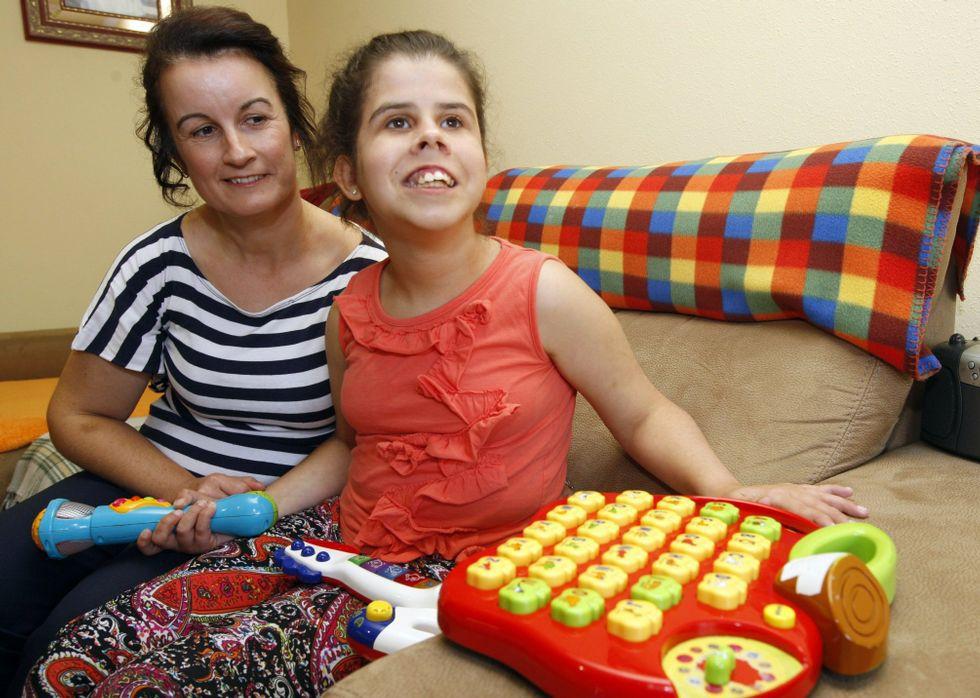 Lucinda Amor xunto coa súa filla Sofía Da Costa, quen actualmente tén 17 anos de idade.