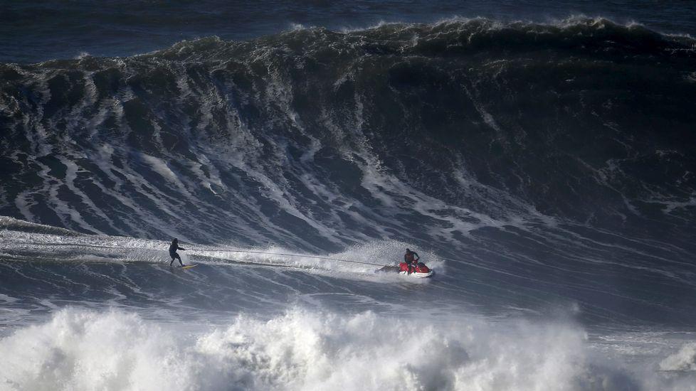 Nazare vuelve a regalar olas de película