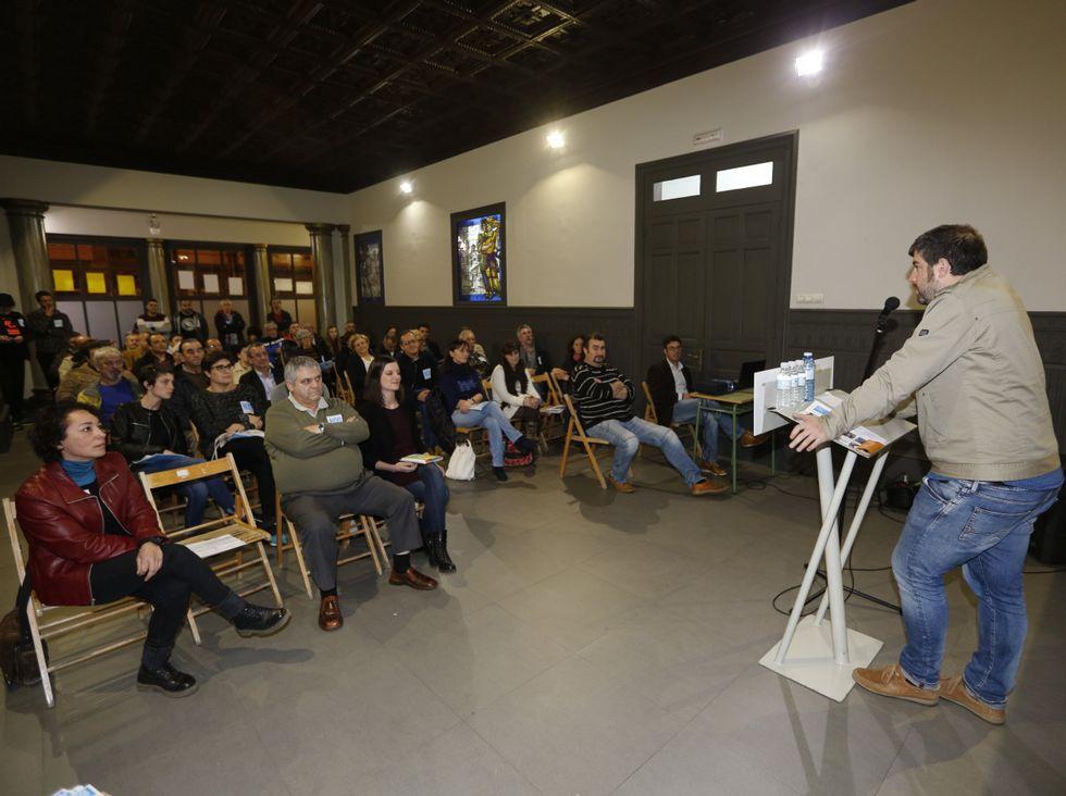Anoche, Nós-Candidatura Galega ofreció un mitin en Viveiro.