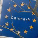 Policías patrullando la frontera danesa alemana a principios de mes