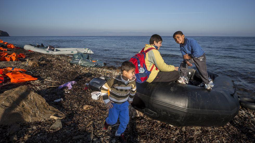 Imagen de archivo de Oscar Vifer, fotógrafo arousano que trabajó en un reportaje del desembarco de los refugiados sirios en la isla de Lesbos