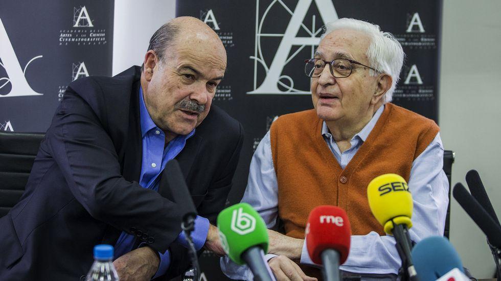 Mariano Ozores (derecha) con el presidente de la Academia, Antonio Resines