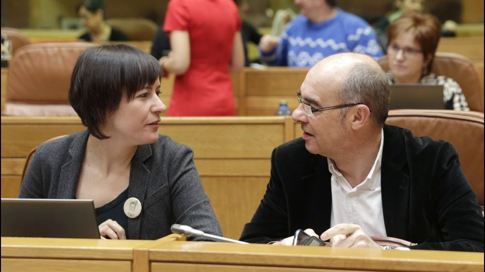 Ana Pontón y Francisco Jorquera, en el Parlamento