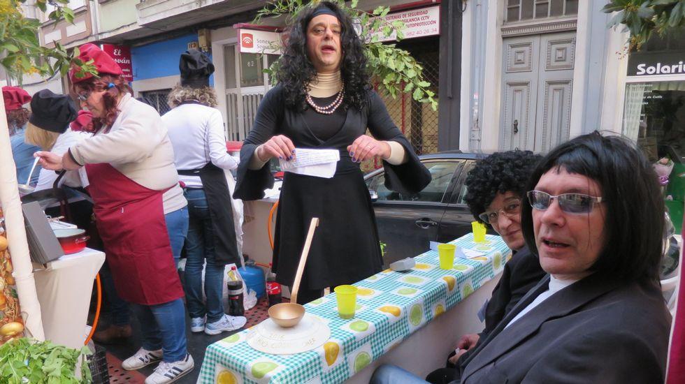 Búscate en el desfile de comparsas de Monforte