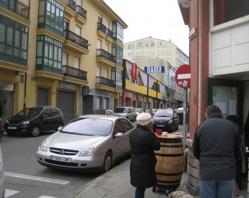 Dos céntricas discotecas cerradas. En la Avenida de Galicia y en la calle Vilalba -en la imagen-, dos antiguas discotecas se alquilan desde hace años.