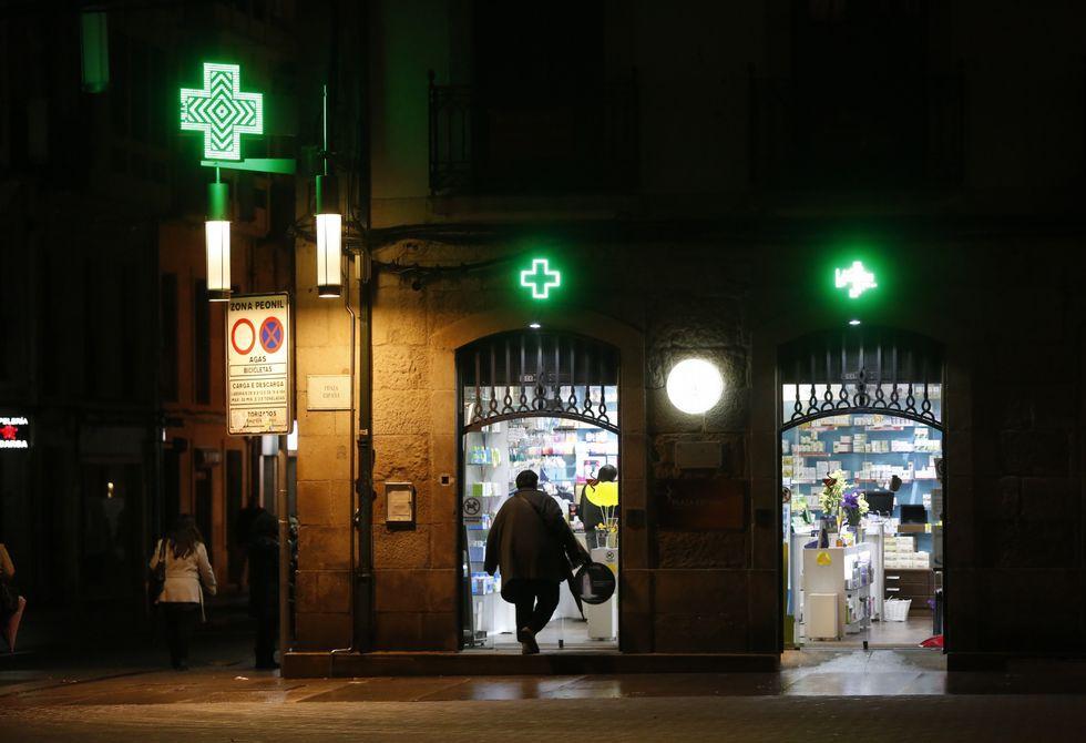 Hasta las farmacias de Pontevedra tienen que venir vecinos de varios concellos.
