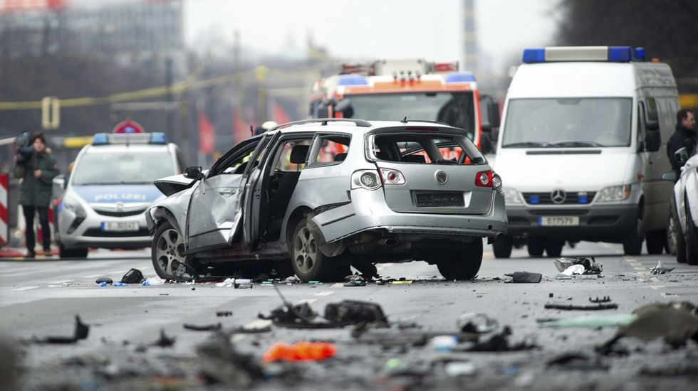 Un muerto al estallar un coche en Berlín