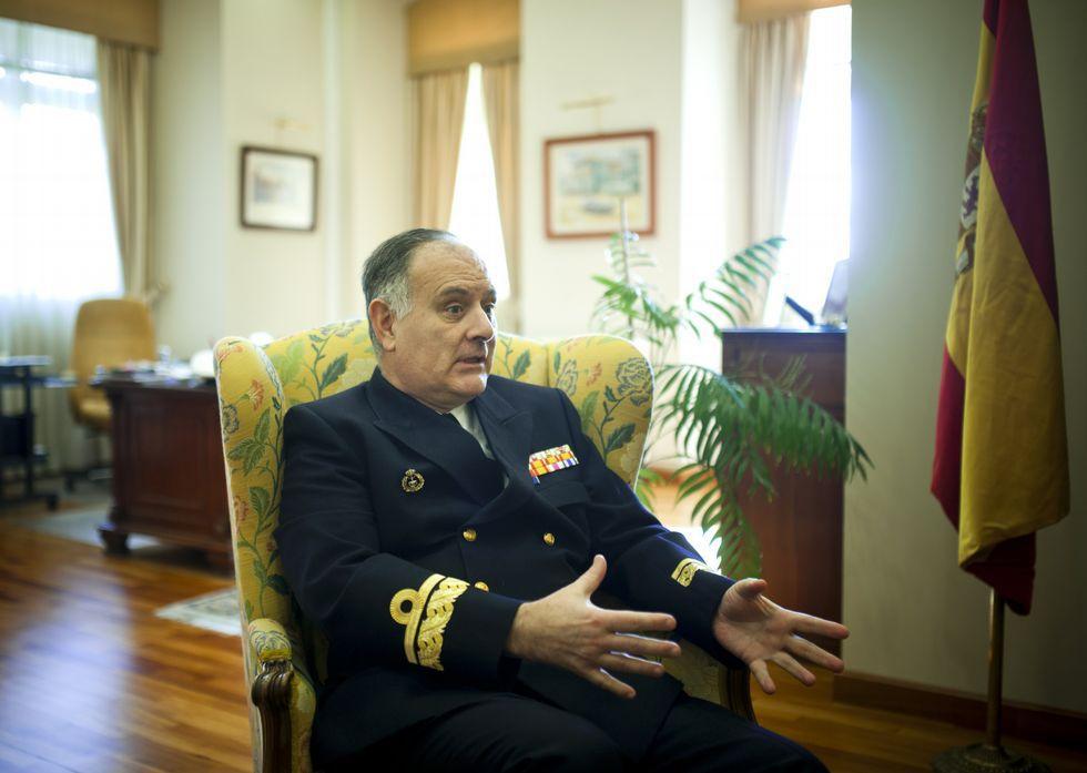 Pintos Pintos, en su despacho de trabajo en la base militar de A Graña.