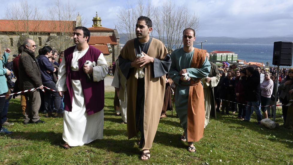La Resurrección y el sol no faltaron a su cita con Fisterra
