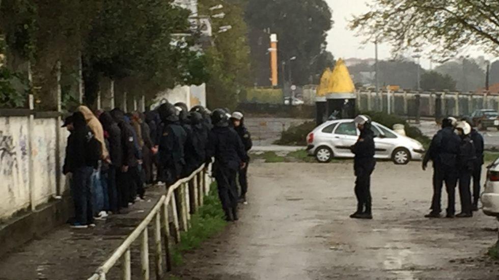 Intervención policial por la reyerta entre aficionados del Compostela y el Racing