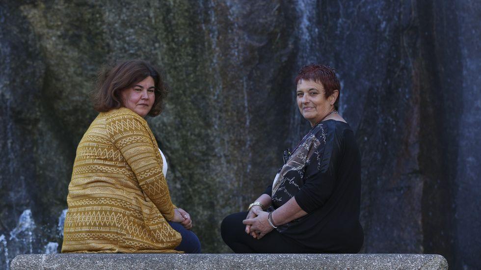 Rosa Piñeiro y María José Alonso, vicepta y pta de la Asociación Galega de Acogimiento de Familia Extensa del Menor, Agafem